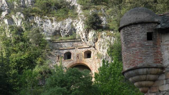 La Cova Bastera